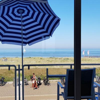 zeezicht en balkon