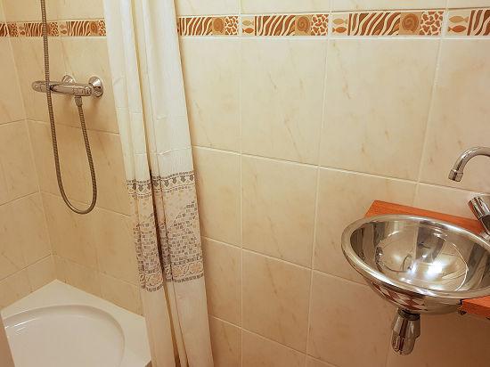 shared facilities -2 single rooms